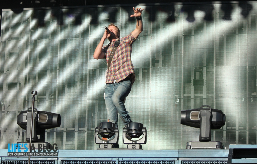 dierks-bentley-boots-and-hearts-2013_0