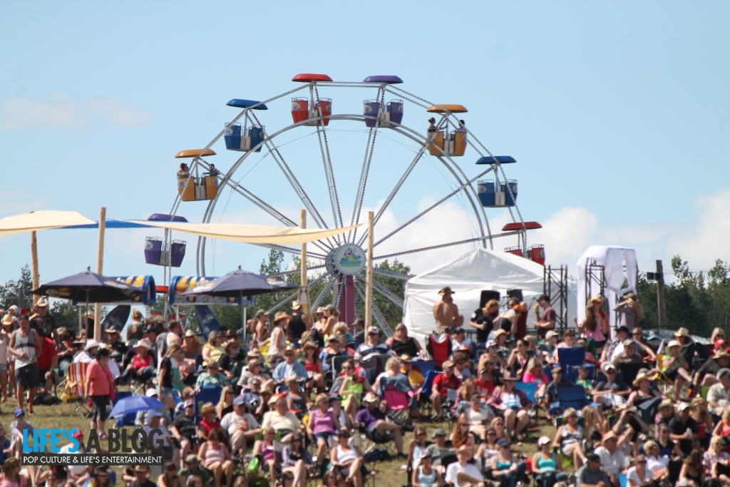 ferris-wheel-boots-and-hearts_0