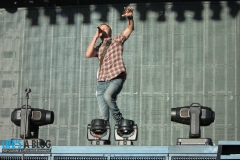 dierks-bentley-boots-and-hearts-2013