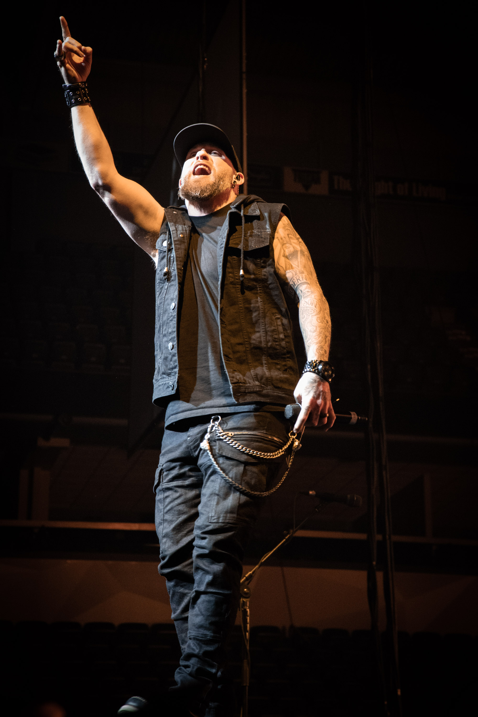 Brantley-Gilbert-Dylan-Scott-166-2