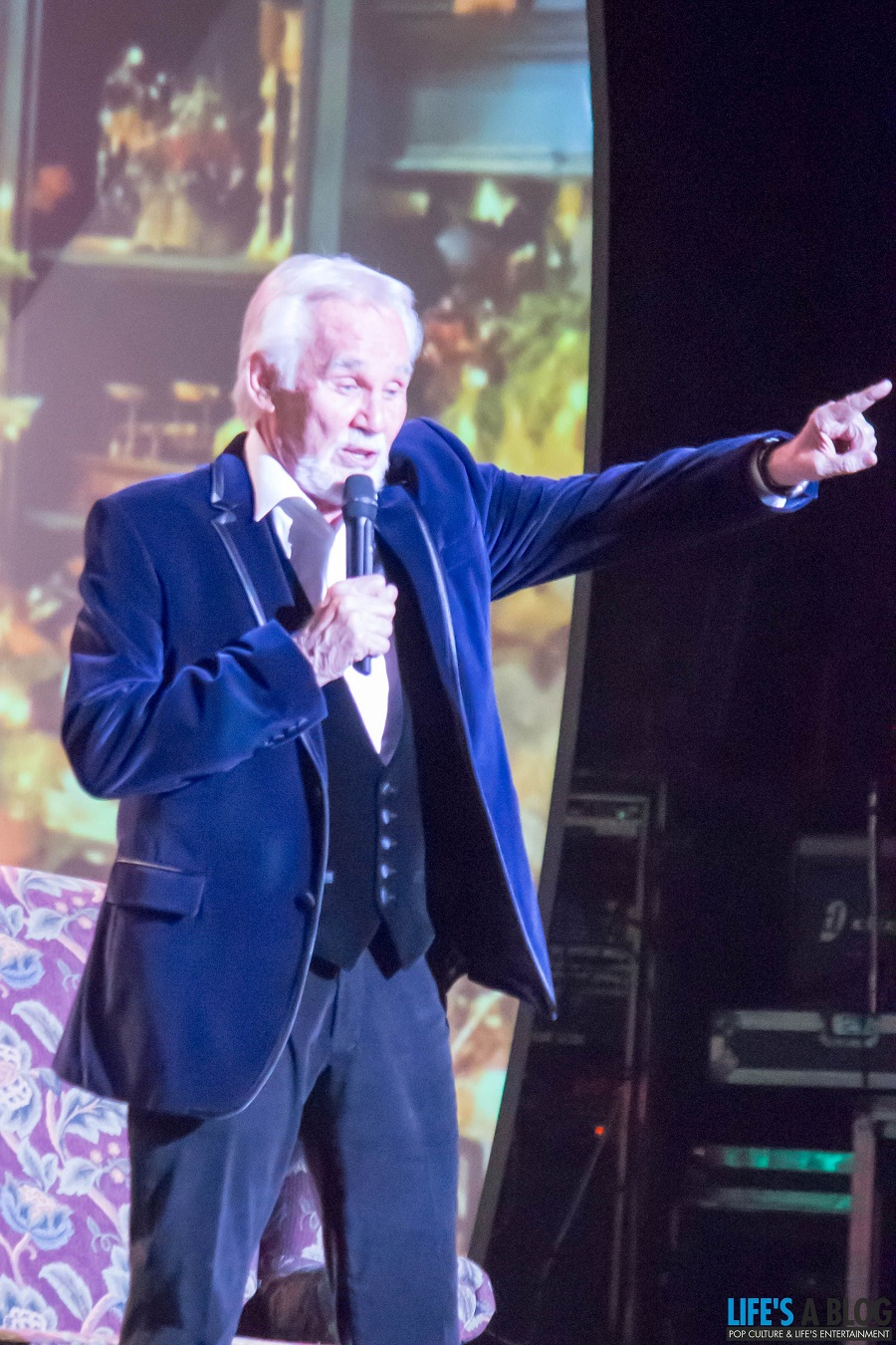 kenny-rogers-centre-in-the-square-kitchener