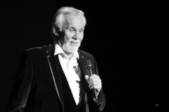 kenny-rogers-singing