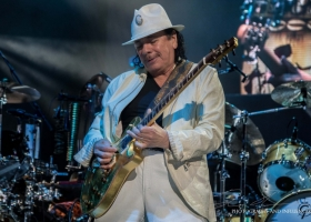 Carlos-Santana-Hamilton-ON-First-Ontario-Centre-2018-1-1
