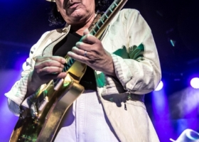 Carlos-Santana-Hamilton-ON-First-Ontario-Centre-2018-11-2