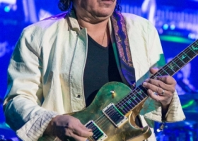 Carlos-Santana-Hamilton-ON-First-Ontario-Centre-2018-59-1