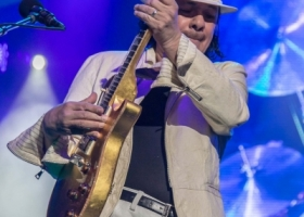 Carlos-Santana-Hamilton-ON-First-Ontario-Centre-2018-72-1