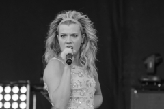 band-perry-lead-boots-and-hearts_0