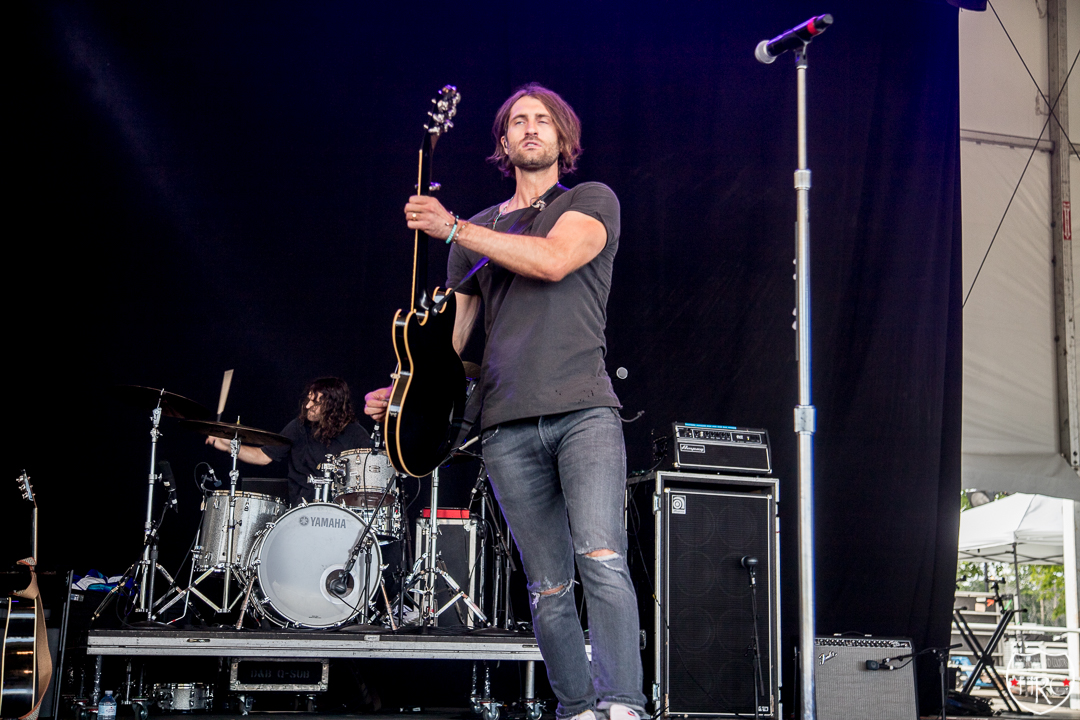 Front-Porch-Stage-at-Boots-Hearts-Ryan-Hurd-10