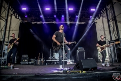 Front-Porch-Stage-at-Boots-Hearts-Ryan-Hurd-5